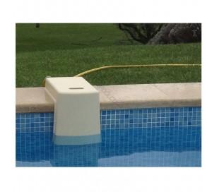 Régulateur d'eau amovible sur margelle