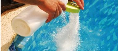 Pourquoi traiter l'eau d'une piscine ?